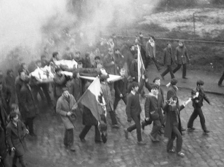 a bloody polish flag in the gdynia riots